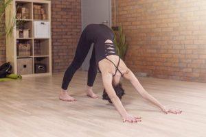 3-ejercicios-hipopresivos-para-iniciarte-en-esta-tecnica-Ebro-Foods01