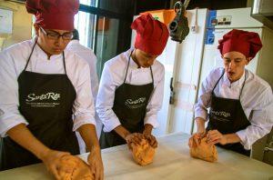 Alumnos de Gastronomix con Harinas Santa Rita