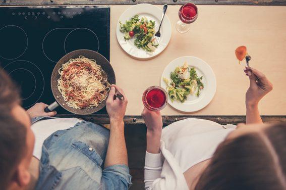 Carbohidratos para cenar, ¿una buena opción?