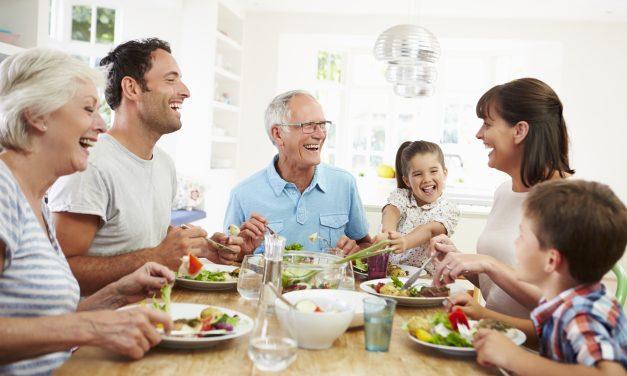 Si quieres cuidar la salud de tus huesos, llena tus platos de estos alimentos