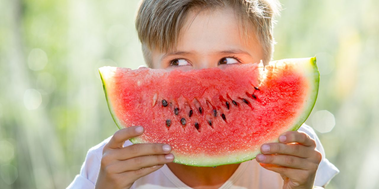Cómo adaptar la alimentación infantil al verano