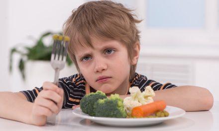 Trucos para lograr que nuestros niños coman todo tipo de alimentos