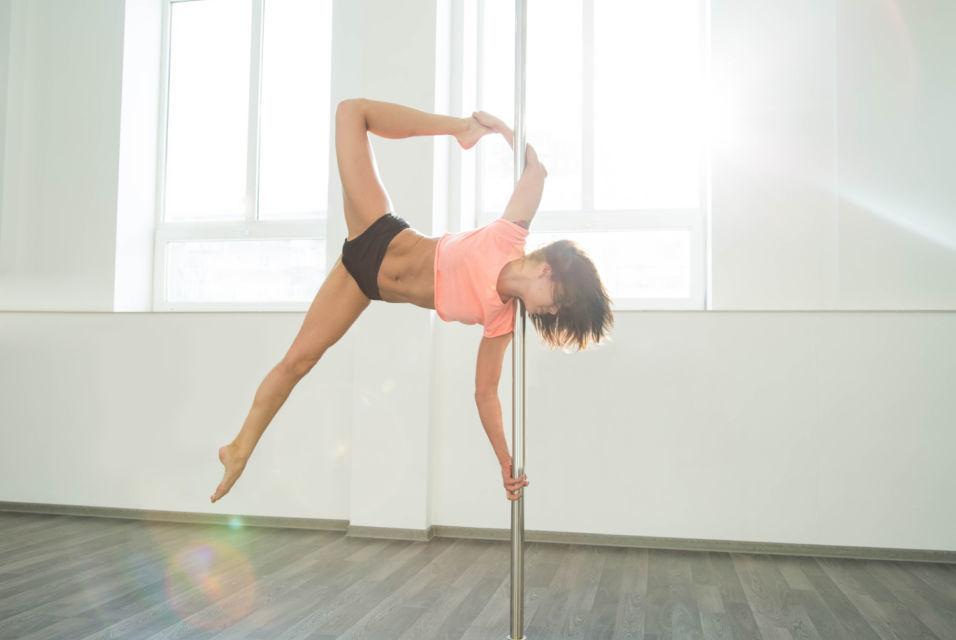 Pole dance, un deporte que suma adeptas